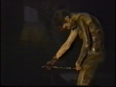 "Carolee Schneemann. Interior Scroll (Desplazamiento interior), 1975-1995. Vídeo (Betacam Digital y DVD), Color y blanco y negro, 7'30"", sonido"