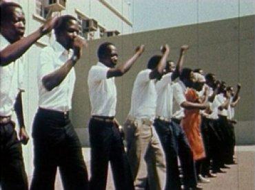 Jean Rouch y Jacques d'Arthuys. Makwayela. Película, 1977