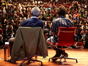 Michael Hardt and Antonio Negri. Crisis and possible revolutions. Lecture at Museo Reina Sofía, October 2011