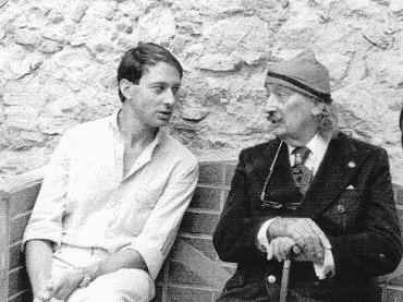 Ignacio Gómez de Liaño and Salvador Dalí in the Empordà artist's house in Portlligat, September 12, 1978