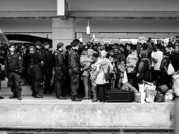 Josh Zakary. Arrival of Syrian refugees to Vienna. 2015