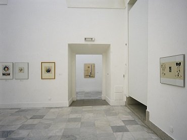 Exhibition view. Bauhaus Utopias. Work on Paper, 1988