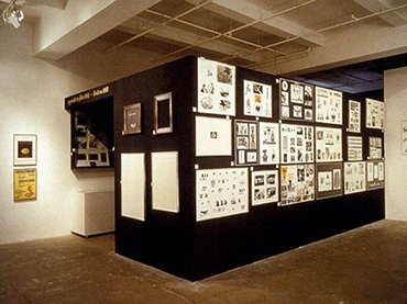 Marcel Broodthaers. Section publicité du Musée d'Art Moderne. Département des Aigles (Publicity Section from the Modern Art Museum. Department of Eagles). 1972 Installation. Kunstsammlung Nordrhein-Westfalen