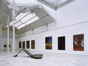 Exhibition view. En la piel de toro, 1997