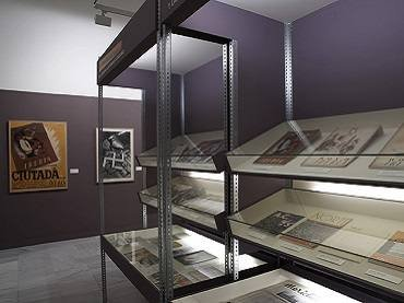 Exhibition view. Magazines and War. 1936-1939, 2006