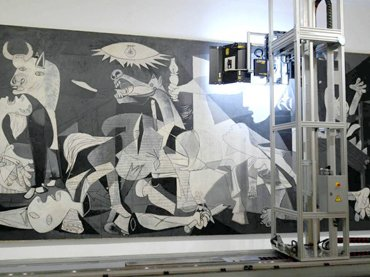 Journey to the inside of Guernica