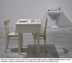 George Brecht, Sink (Lavabo), 1963 / George Brecht, Table and Chairs (Mesa y sillas), 1962-1963