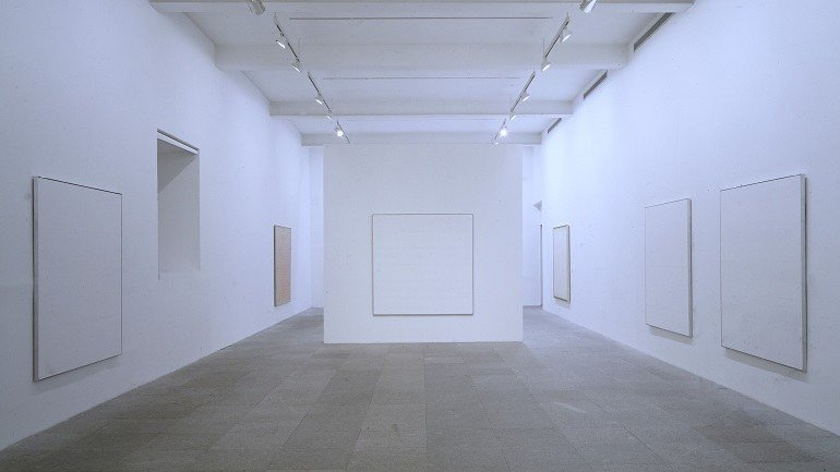Exhibition view. Agnes Martin, 1993