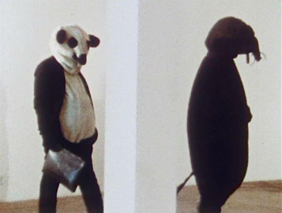 Fischli y Weiss.  Resistencia mínima, 1980-1981.  DVD.  Museo Nacional Centro de Arte Reina Sofía.  © Peter Fischli David Weiss, Zürich 2013