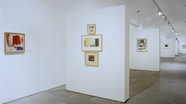 Exhibition view. Esteban Vicente. Work 1950-1998, 1998