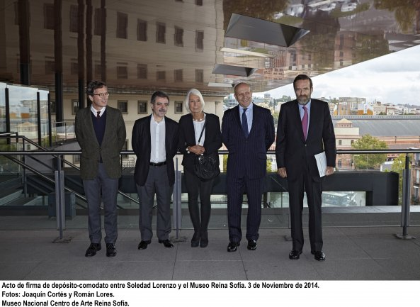 Acto de firma de depósito-comodato entre Soledad Lorenzo y el Museo Reina Sofía. 3 de Noviembre de 2014