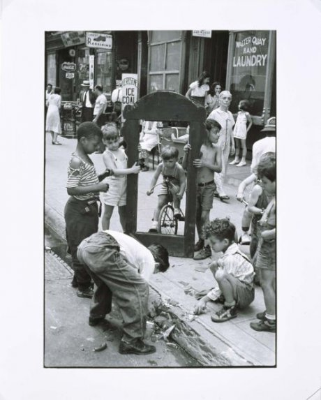 New York, c. 1940 (Children Playing With a Picture Frame)