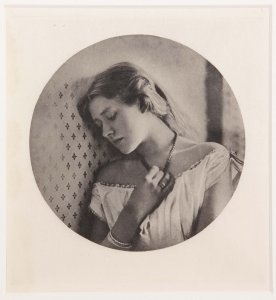 Ellen Terry, at the Age of Sixteen