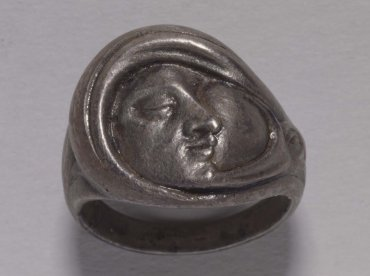 Rostro de perfil (Sortija) (Side View of Face [Ring])