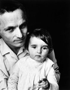 Antonio López con su hija (Antonio López with His Daughter)