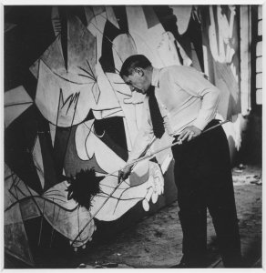 "Picasso debout travaillant à «Guernica» dans son atelier des Grands-Augustins (Picasso in the Grands-Augustins Studio Working on ""Guernica"")"
